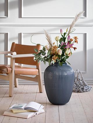 hohe vasen with hohe vasen good como vase in cm hhe und in wei und silbergrau lieferbar with. Black Bedroom Furniture Sets. Home Design Ideas